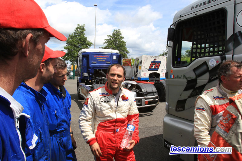 Herv? Crozier souriant suite ? sa 2?me place - Magny-Cours 2010